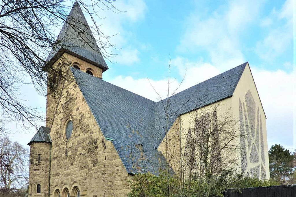 Protestanten finden sogar in Köln eine Kirche. Die Reformationskirche in Köln Bayenthal