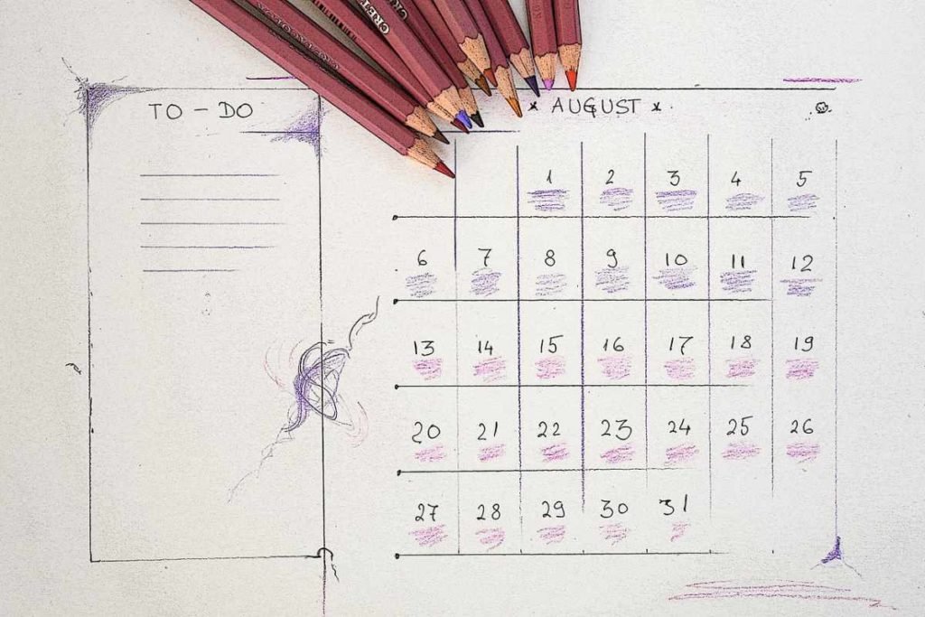 Kalender für die Urlaubsplanung vor der Hochzeit