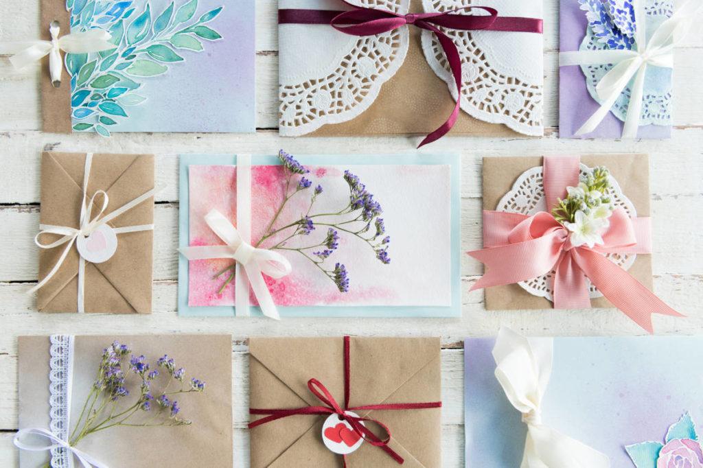 9 verschiede Motive für Einladungskarten bei einer Hochzeit