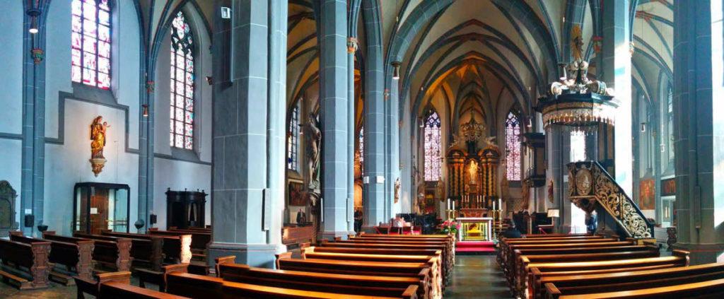 St Lambertus - einer der schönsten Kirchen in Düsseldorf um sich ein katholisches JA zu geben