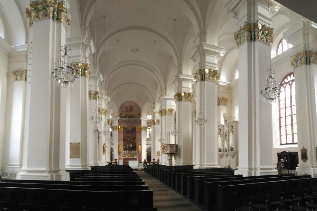 Innenraum der Jesuitenkirche in Heidelberg