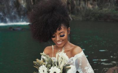 Brautfrisuren Locken – die schönsten Ideen für Bräute mit lockigen Haaren