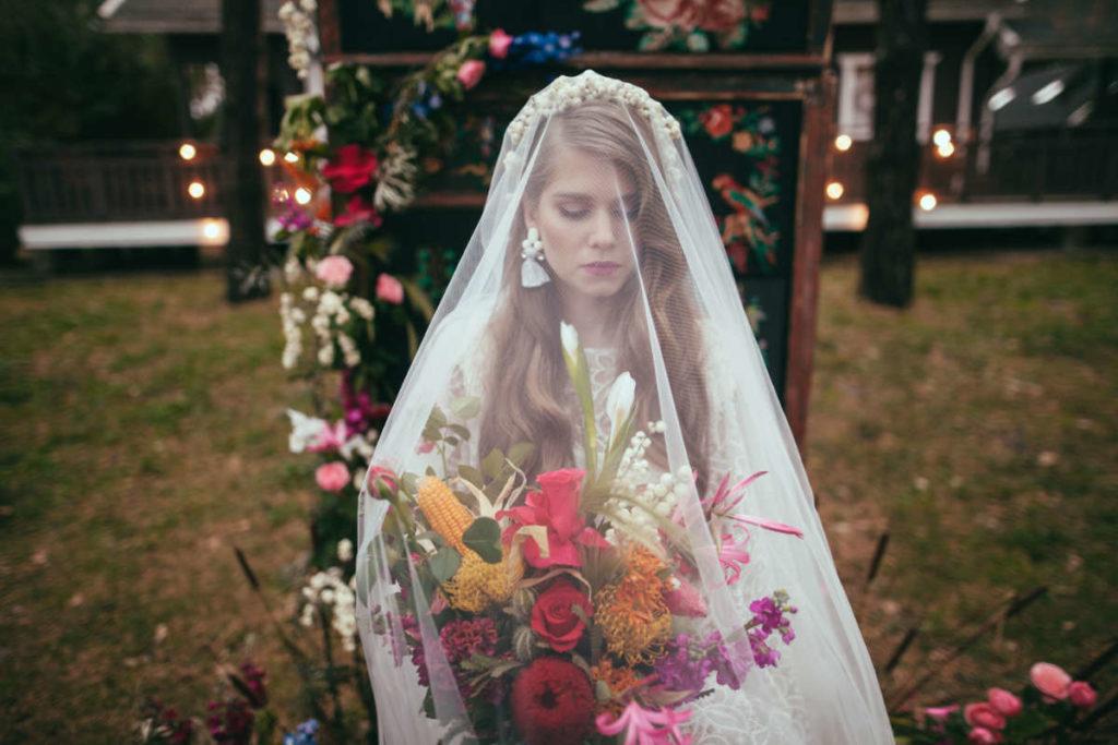 Boho Style Braut mit Schleier