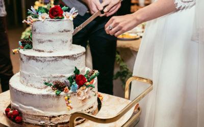 So gestaltest du deine Hochzeitstorte im Boho Stil